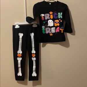 Kids size 4/5 Halloween outfit glow in the dark